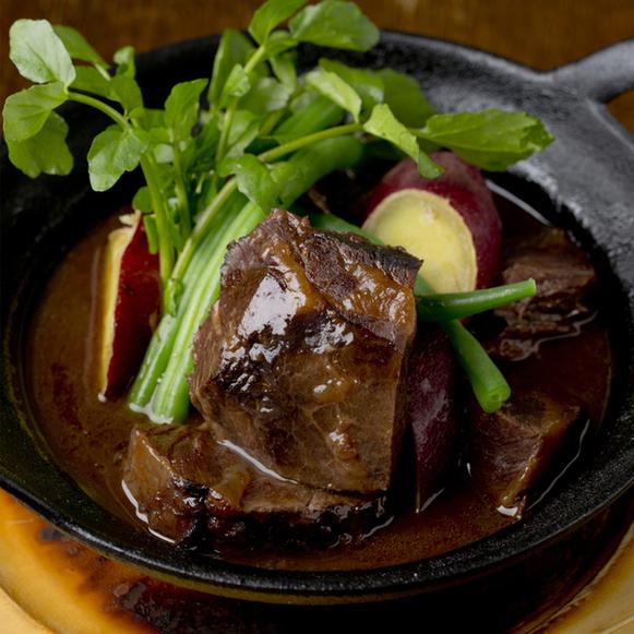 牛ほほ肉の赤ワイン煮込み 1,700円